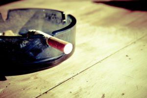 Cómo podemos quitar el olor a tabaco del ambiente